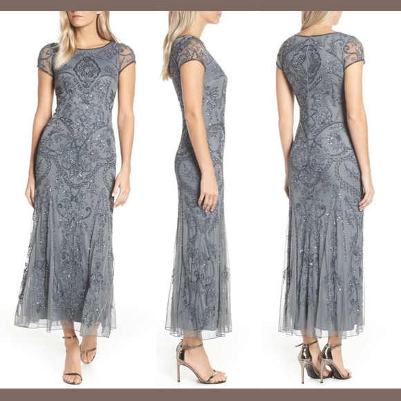 Pisarro Nights Dresses & Skirts - NWT Pisarro Nights Embellished Short Sleeve Gown